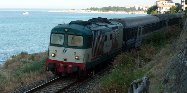 Ferrovie della Calabria su un binario morto!